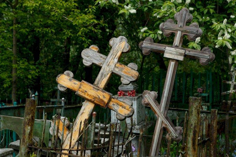 Уральские манси отказались от венков и крестов для похорон погибшей семьи Пеликовых