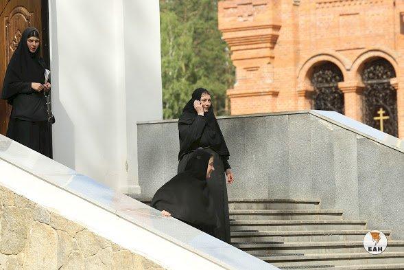 «Монахам придется платить»: иерарх РПЦ выступил против налога на бездетность