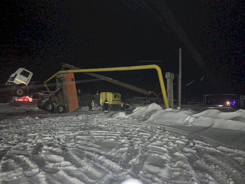 В полиции рассказали, каким образом МАЗ протаранил газопровод в Свердловской области