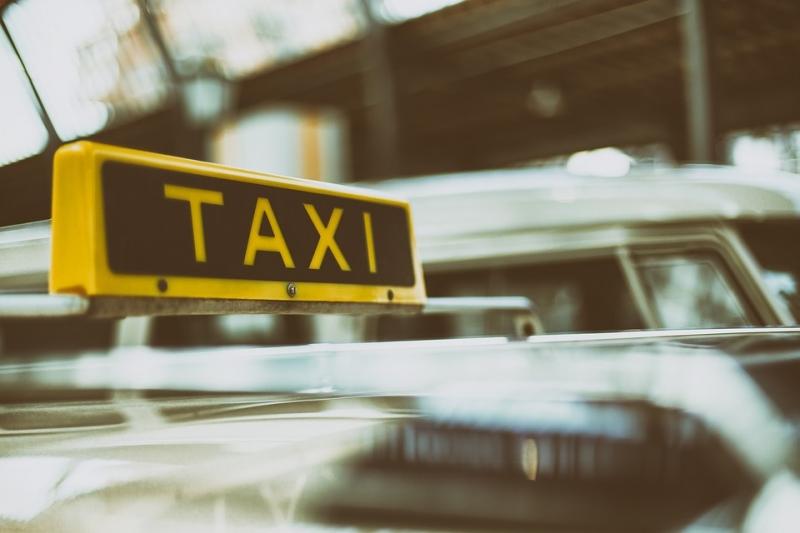 ВНижнем Тагиле таксист уехал сместа заказа вместе с сыном клиента