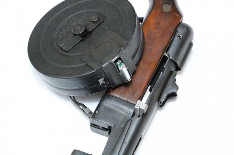 Свердловские приставы арестовали ружья, карабины ивинтовки должника-охотника
