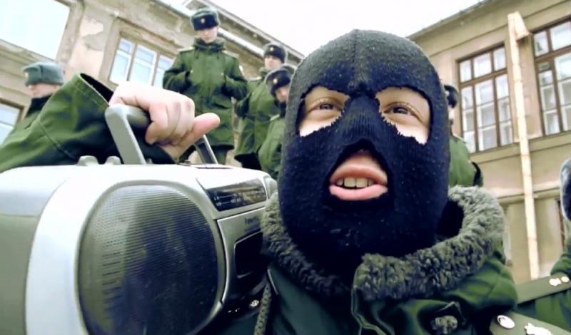 Военные из Екатеринбурга сняли пародию на песню «Тает лед»