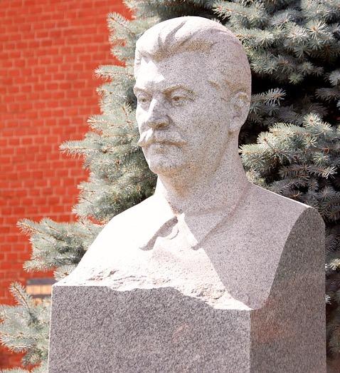 ВСургуте приняли решение вновь установить скандальный монумент Сталину