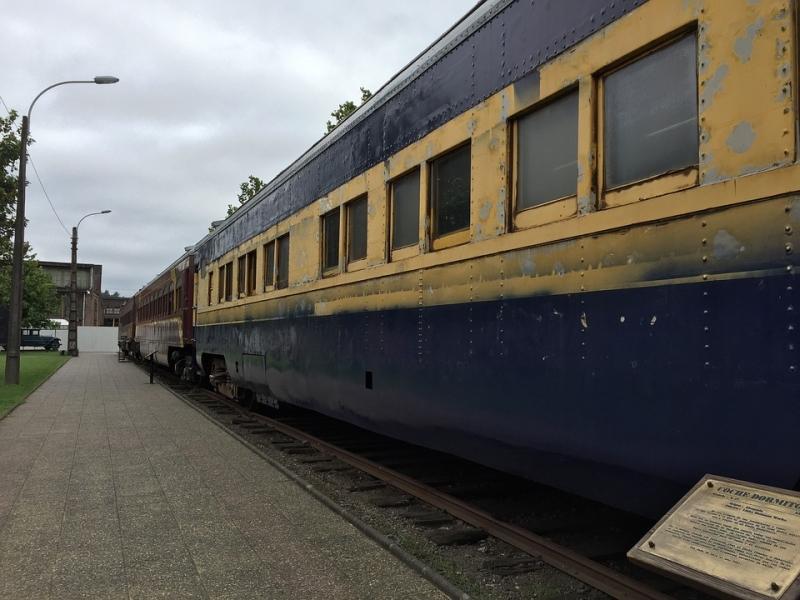 16-летняя девушка внаушниках погибла под грузовым поездом