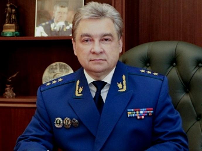 Заработок генерального прокурора Юрия Чайки в2014г. составил приблизительно неменее 9 млн. руб.