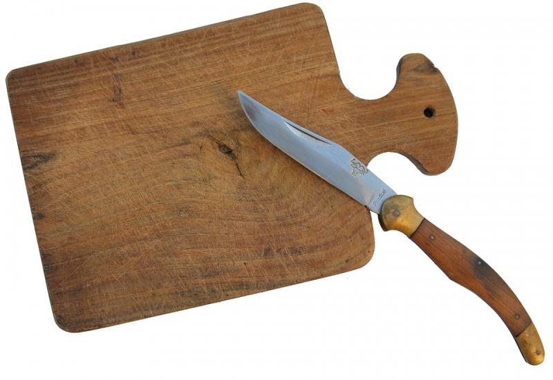 ВСалехарде женщина подозревается вубийстве: 100 ударов ножом