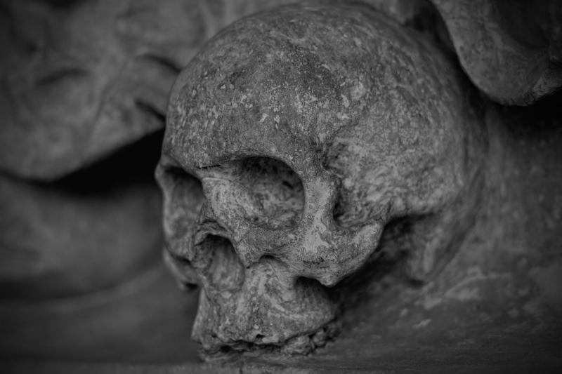 НаСреднем Урале мужчина отыскал под гаражом останки пленного немца