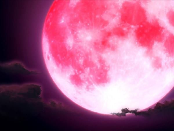 Ученые объяснили, почему Луна становится «клубничной»