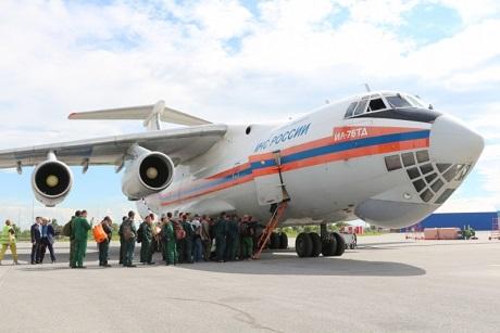 Самолет МЧС доставит для тушения пожаров наЯмал группу спасателей изСибири