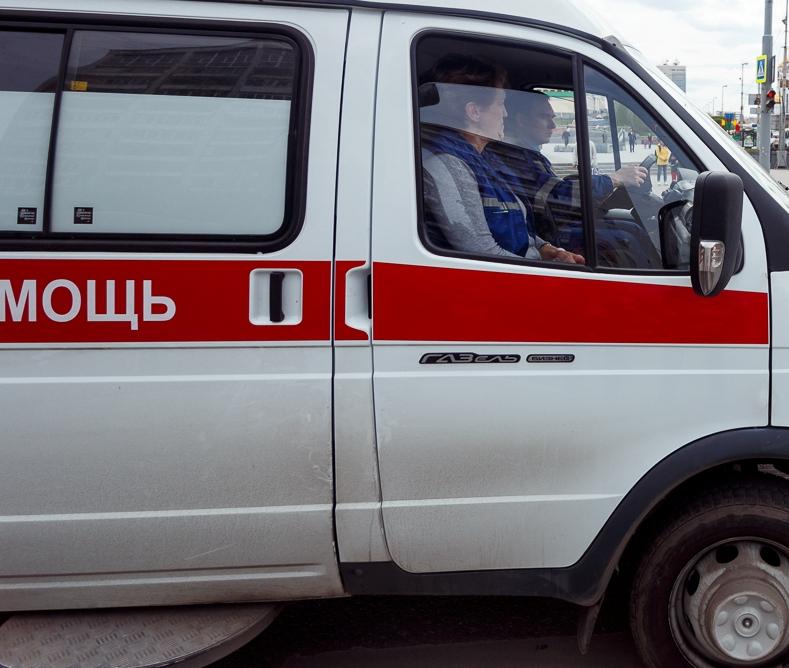 НаЯлтинской вЧелябинске 11-летний «зацепер» упал строллейбуса: ребёнок госпитализирован