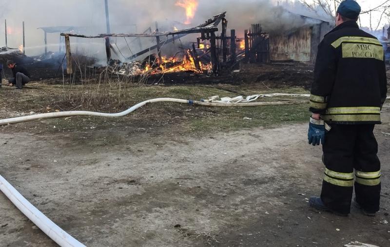 СКР устанавливает личности тюменцев, погибших впожаре наЯмской
