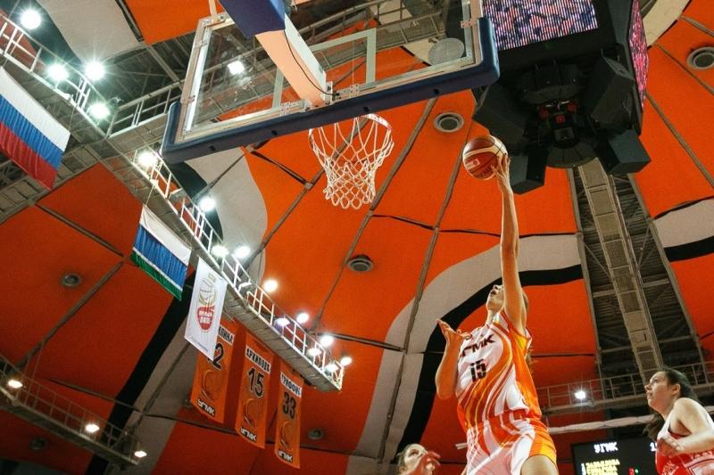 Баскетболистки УГМК начали выступления вЕвролиге спобеды над «Вислой»