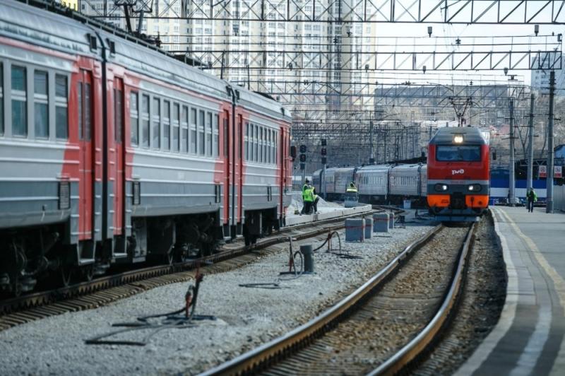 Свердловчанин пытался изнасиловать впоезде шестилетнюю девочку