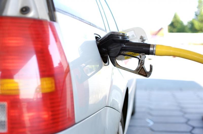 ФАС рекомендовала нефтяным организациям нарастить продажи бензина из-за высоких цен