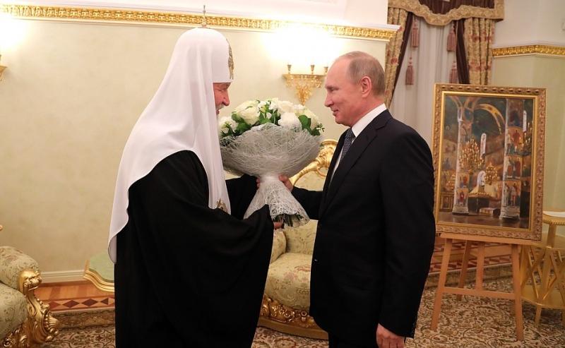 Патриарх Кирилл получил подарок ишутливое пожелание от В.Путина