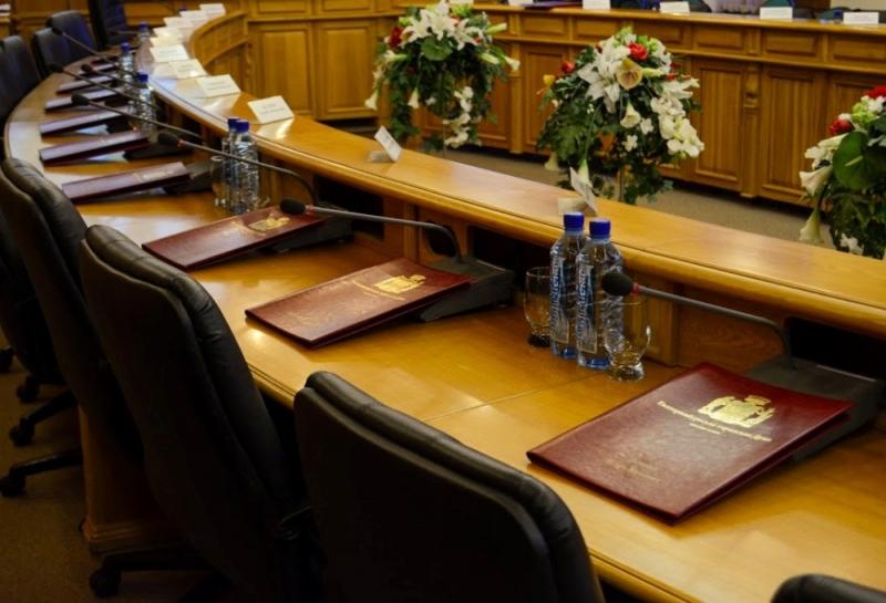 Гордума Екатеринбурга рассмотрит вопрос одоходах самых богатых депутатов