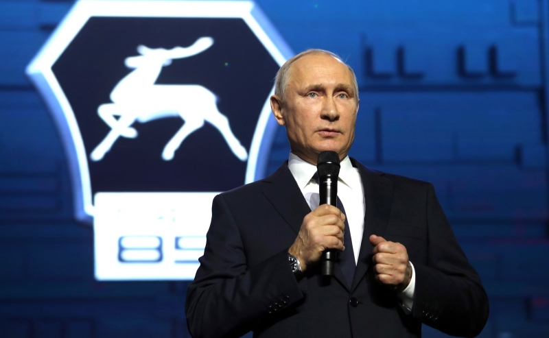 Выдвигать В. Путина впрезиденты будут Боярский иРасторгуев