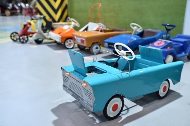 ВВерхней Пышме открылась выставка раритетных детских авто