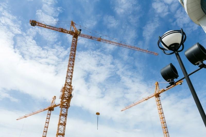 Монтажер башенного крана, упавшего на дом вЕкатеринбурге, получил условный срок