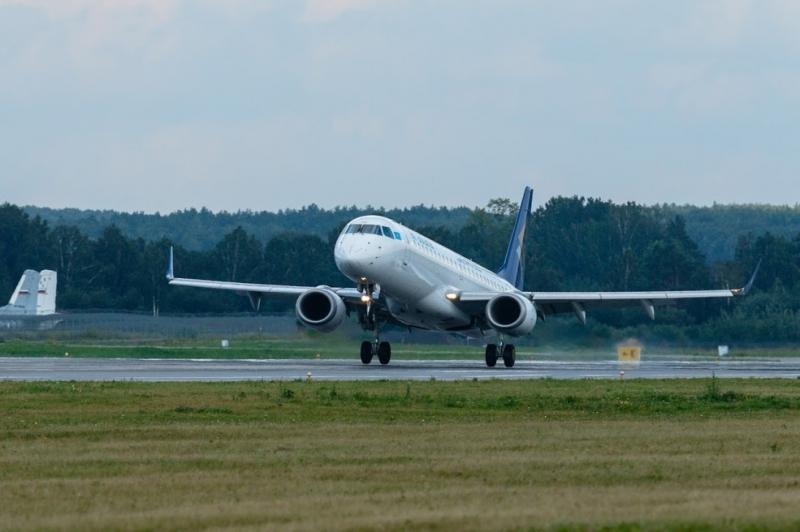 Самолет спассажирами наборту вернулся вЧелябинск из-за разгерметизации салона