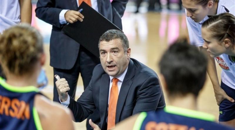 Мендес сменил Ланге напосту основного тренера женского баскетбольного клуба УГМК