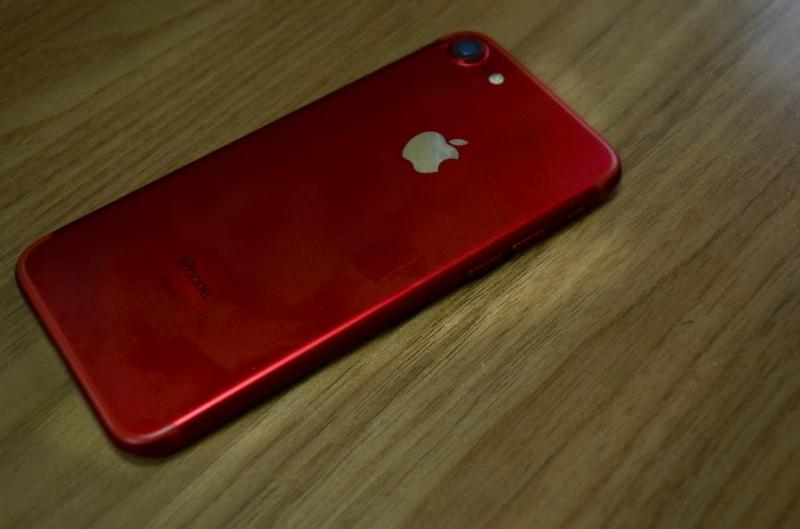 IPhone X предсказали скорую смерть
