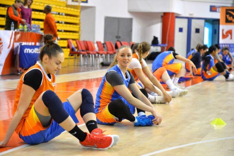 Курское «Динамо» с большим счетом проиграло УГМК