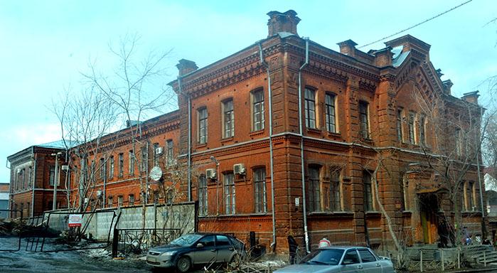 Свердловскому медколледжу передали для занятий сооружение прежнего Петровского приюта