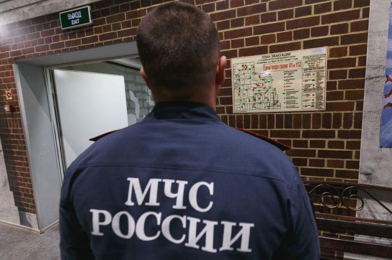 МЧС предложил разрешить Госпожнадзору закрывать объекты снарушениями пожарной безопасности