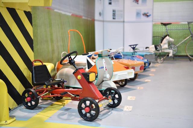«Крути педали»: вмузее УГМК открылась экспозиция детских машин