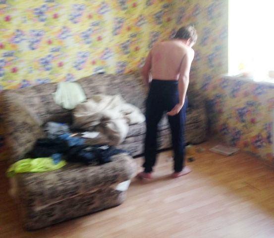 ВЕкатеринбурге осужденный спрятался вдиване от служащих ГУФСИН