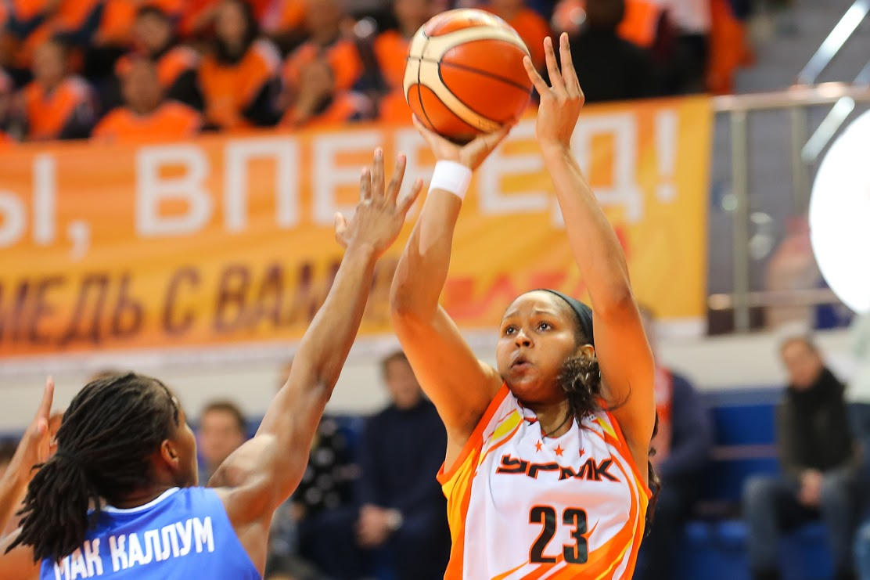 1-ый матч без Ланге: Баскетбольный УГМК обыграл «Енисей»