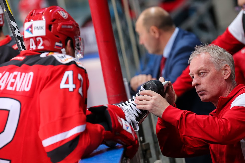 Хоккейная «Сибирь» одолела «Автомобилист» вЕкатеринбурге