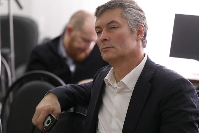 «Единая Россия» определилась ссоперником Куйвашева